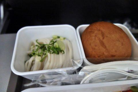 蕎麦とパン/キャセイパシフィック航空機内食/成田発