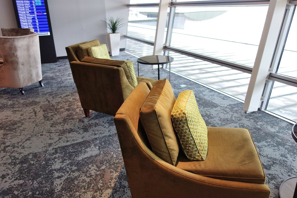 golden-lounge-satellite-firstclass (22)