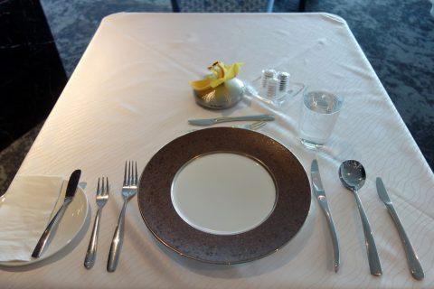 フルコース料理/ゴールデンラウンジファーストのダイニング
