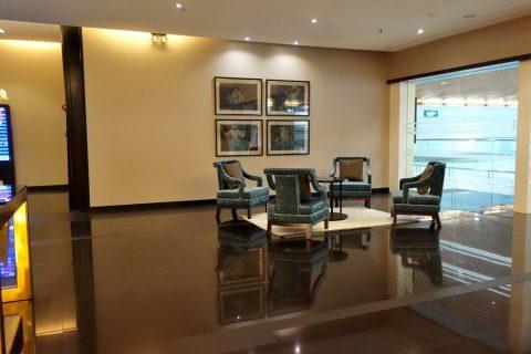 golden-lounge-satellite-エントランスホール
