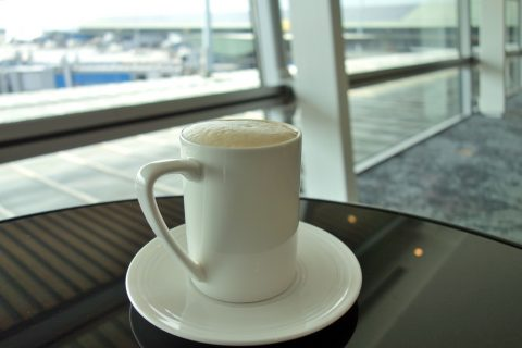 golden-lounge-satellite-firstclassのカプチーノ