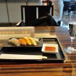 JALファーストクラスラウンジのビュッフェ、寿司バー、シャンパンについて詳しく!成田空港-本館3F