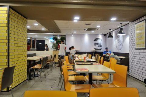 客席/マレーシアのマクドナルド