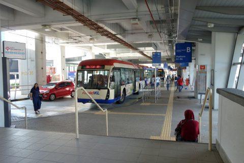 Pasar-Seni駅バスターミナル
