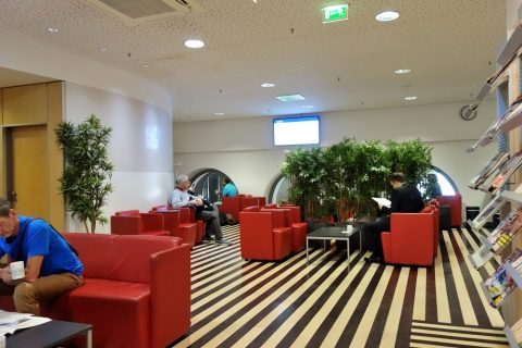 DB-loungeはレベルの高いラウンジ