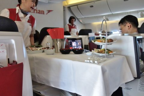 前菜のワゴンサービス/austrian-airlines-businessclass