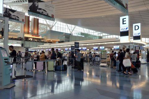 羽田空港国際線ANAカウンター