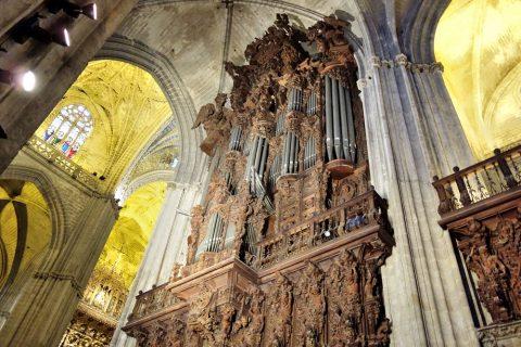 大きなパイプオルガン/セビリア大聖堂