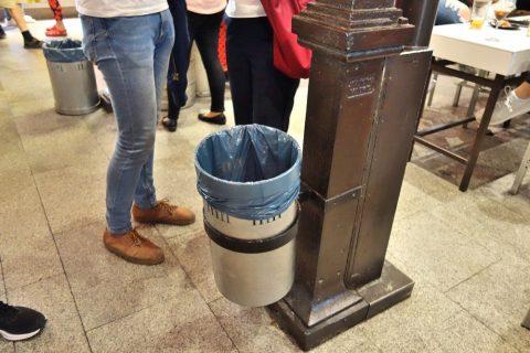 ゴミ箱/サンミゲル市場