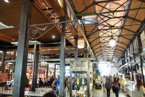 サンミゲル市場の内装