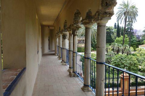 Real-Alcazar-de-Sevilla/城壁の回廊