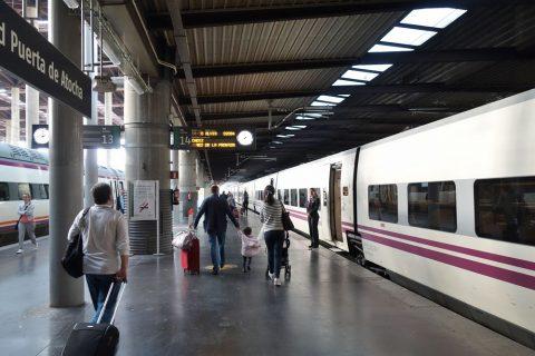 Renfeのホーム/Madridアトーチャ駅