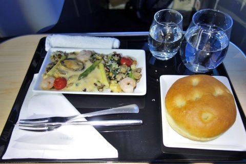 ANAビジネスクラス機内食2食目
