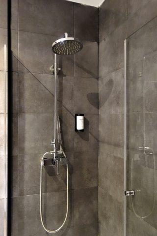 hotel-acta-madfor-madrid/シャワー