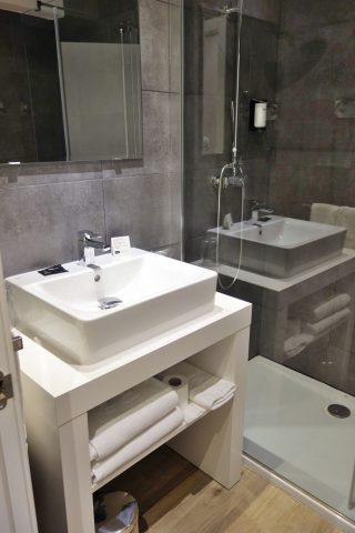hotel-acta-madfor-madrid/洗面台