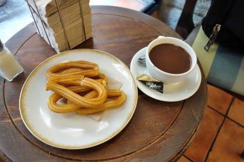 la-rollerie-madrid/チュロスとチョコレートドリンク