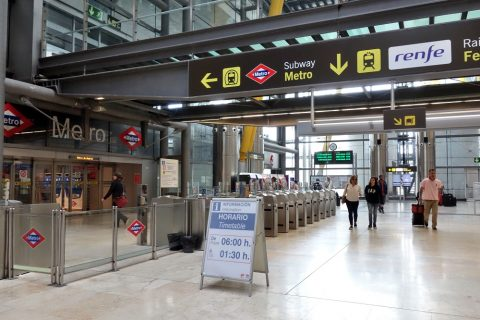 madrid-metroの改札口