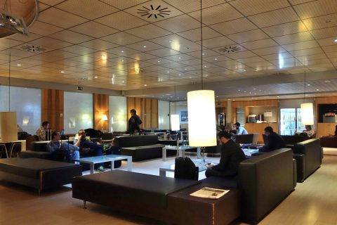 ラウンジのメインエリア/sala-club-lounge-madrid-atocha