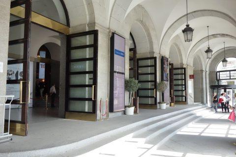 テアトロレアルの入口