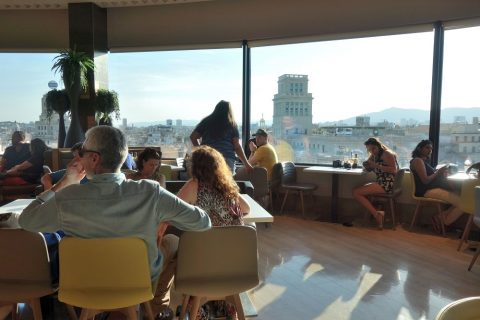 La-Placa-Gastro-Mercat/窓からの眺め