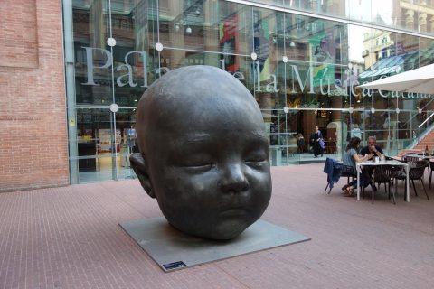 赤ん坊の銅像/カタルーニャ音楽堂