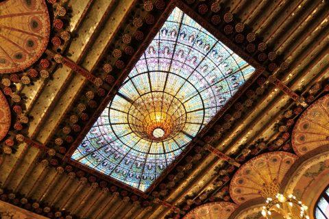 天井のステンドグラス/カタルーニャ音楽堂