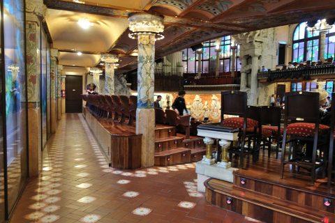 2階席の通路/カタルーニャ音楽堂