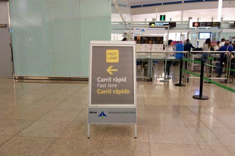 ファストレーンの表示/バルセロナ空港