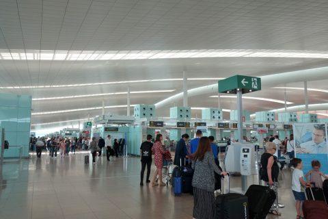 バルセロナ空港T1出発ロビー