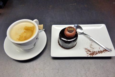bubo-barcelona/ケーキとコーヒー