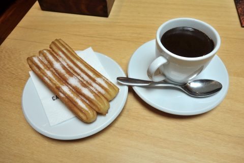 cacao-sampaka-barcelona/チュロスとチョコラテ