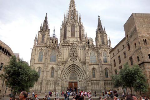 バルセロナ大聖堂のファサード