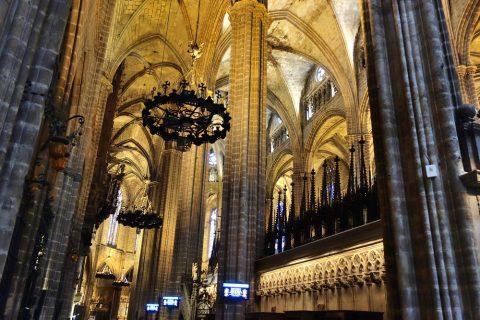 バルセロナ大聖堂の大きさ