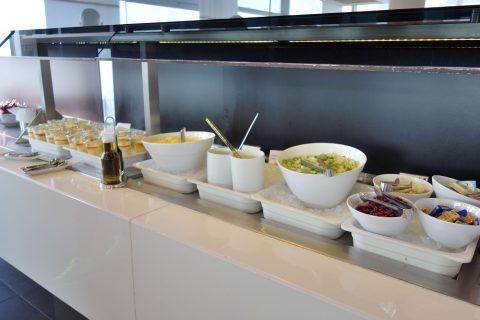 frankfurt-airport-lufthansa-business-lounge/ランチビュッフェ