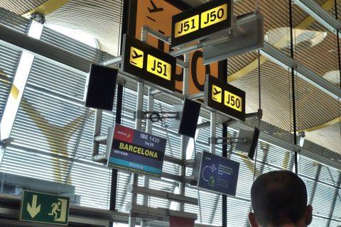 マドリード発バルセロナ行き