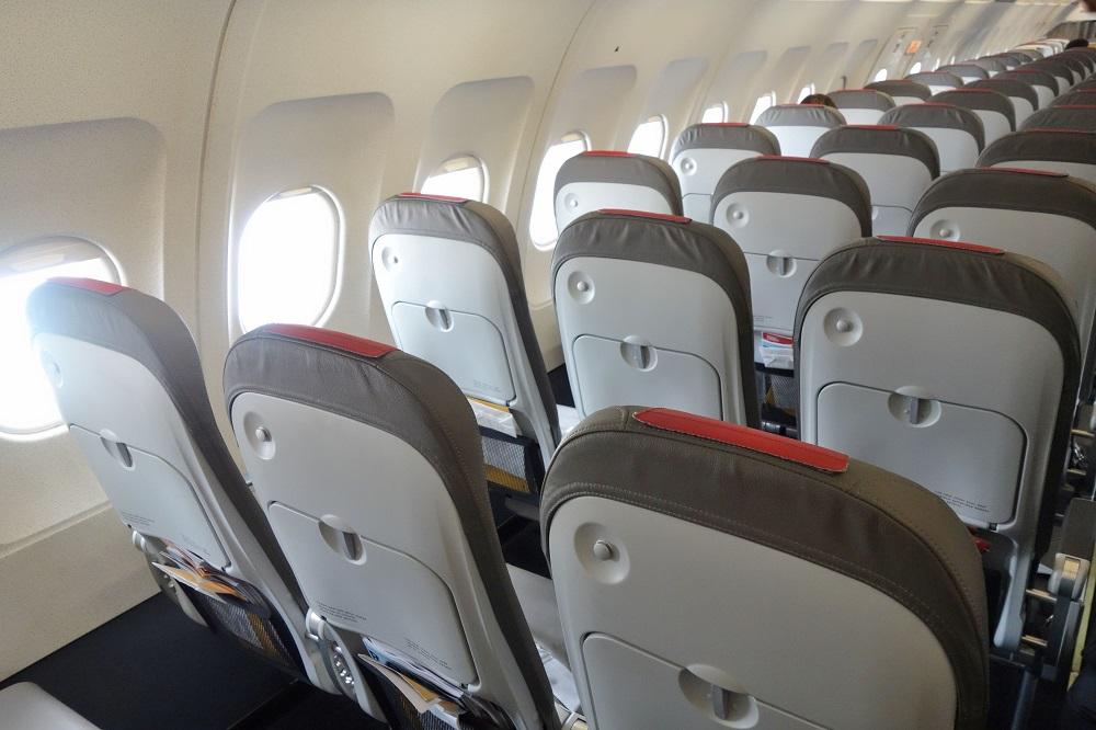iberia-airlines-a320-economy (7)