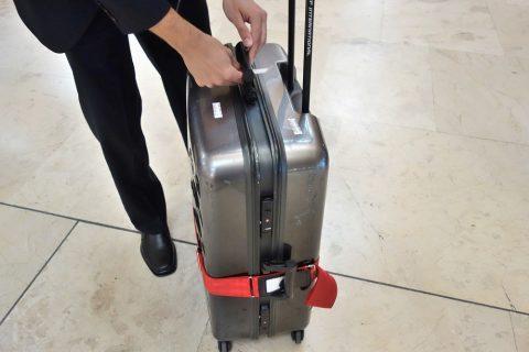 バゲッジタグの貼り付け/イベリア航空
