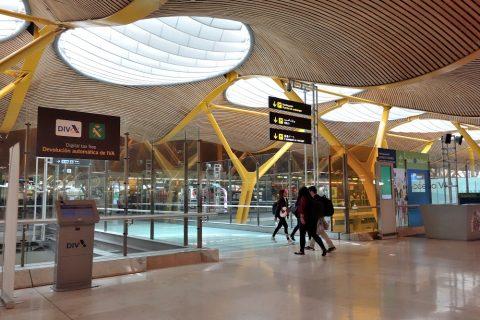 マドリード空港出発口