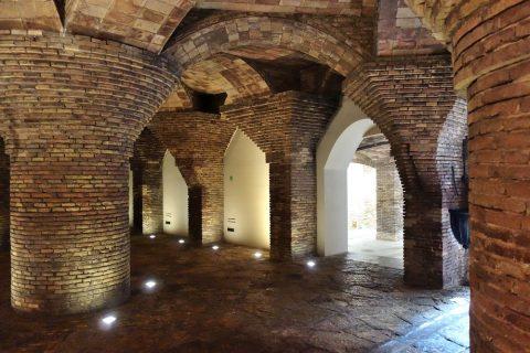 グエル邸の地下