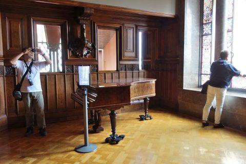グエル邸のピアノの部屋