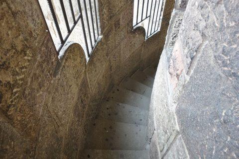 sagrada-familia/タワーの螺旋階段