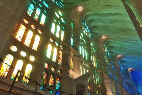 sagrada-familia/ステンドグラスの光