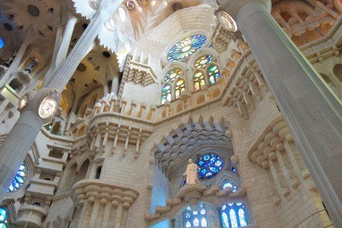 sagrada-familia/ファサードのステンドグラス