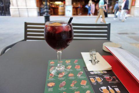 txapela-barcelona/サングリア