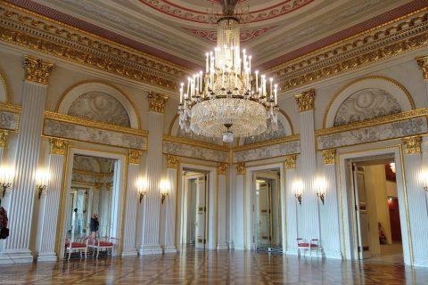 Bayerische-Staatsoper/美しいホワイエ