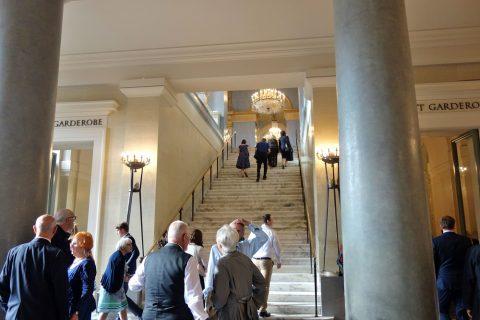 Bayerische-Staatsoper/ロビーの階段