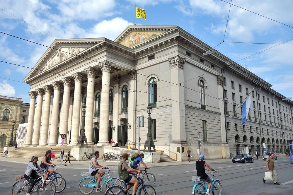 Bayerische-Staatsoper