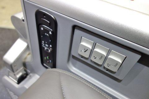 アメリカン航空プレミアムエコノミー/シートコントローラー
