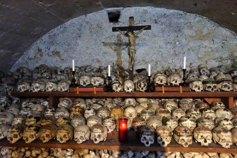 バインハウスの祭壇
