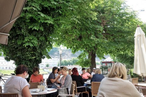 cafe-bazar/テラス席の雰囲気